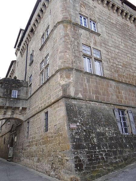 Photo du Monument Historique Château de Saint-Beauzély, actuellement musée d'art et de tradition populaire situé à Saint-Beauzély