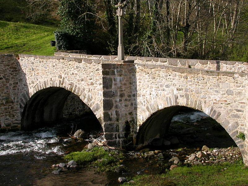 Photo du Monument Historique Pont des Pélerins situé à Saint-Chély-d'Aubrac