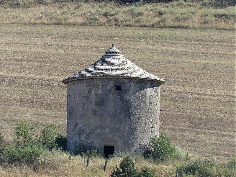 Photo du Monument Historique Pigeonnier de Lagarde situé à Compeyre