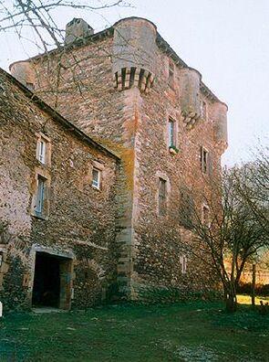 Photo du Monument Historique Maison forte dite le château de Balaguier situé à Balaguier-sur-Rance