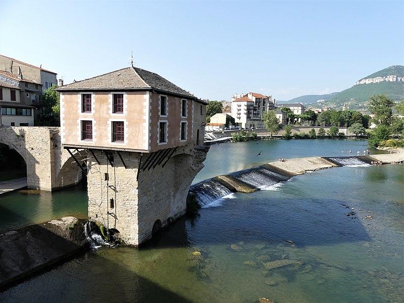 Photo du Monument Historique Moulin du pont vieux situé à Millau
