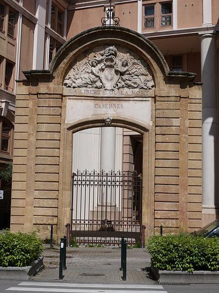 Photo du Monument Historique Caserne Forbin situé à Aix-en-Provence
