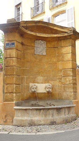 Photo du Monument Historique Fontaine de la Mule Noire situé à Aix-en-Provence