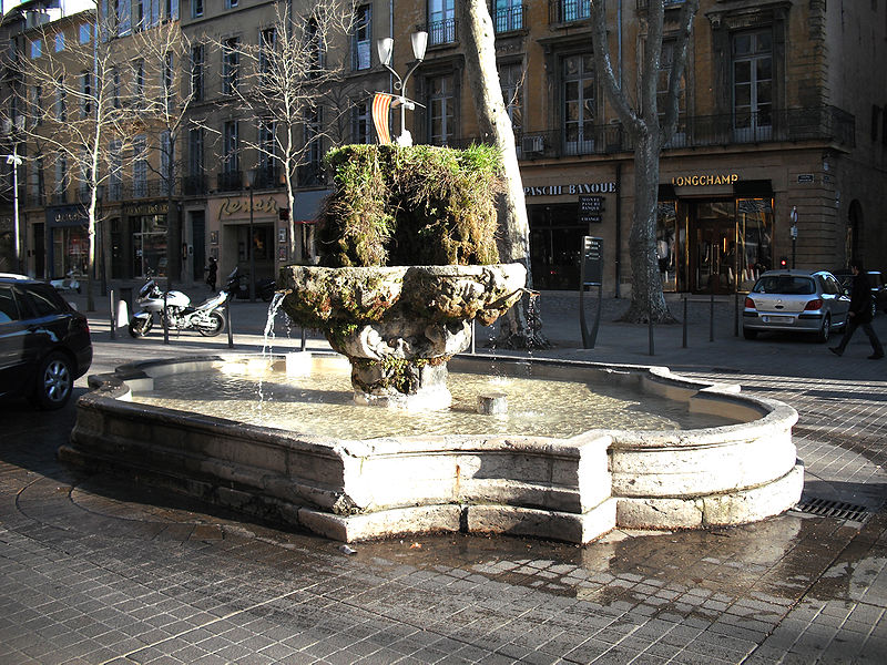 Photo du Monument Historique Fontaine des Neuf Canons situé à Aix-en-Provence