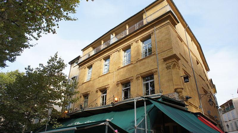 Photo du Monument Historique Immeuble du Café des Deux Garçons situé à Aix-en-Provence