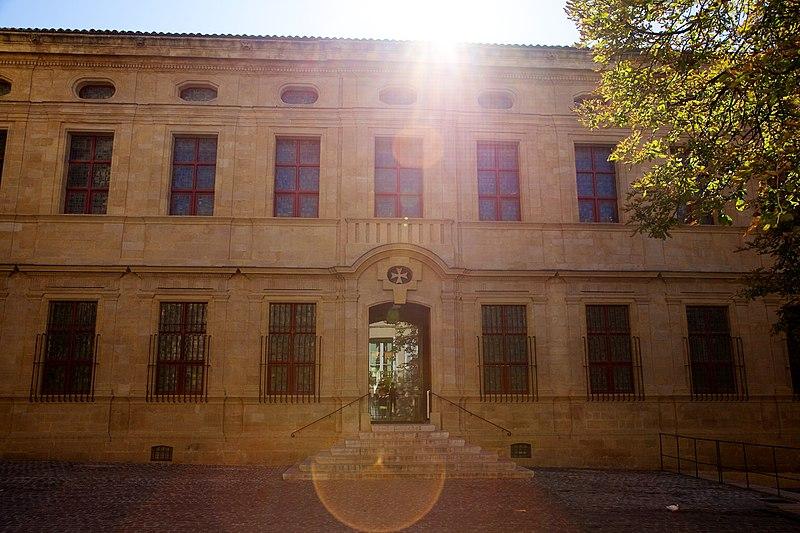 Photo du Monument Historique Prieuré des Hospitaliers de Saint-Jean-de-Malte, actuellement Musée Granet situé à Aix-en-Provence