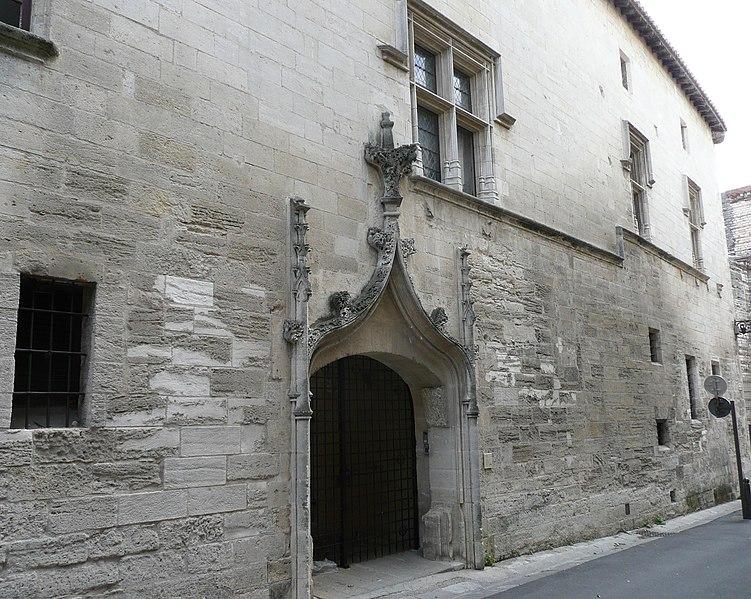 Photo du Monument Historique Commanderie de Sainte-Luce de l'Ordre de Malte situé à Arles