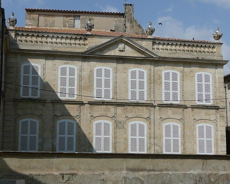 Photo du Monument Historique Hôtel de Grille situé à Arles