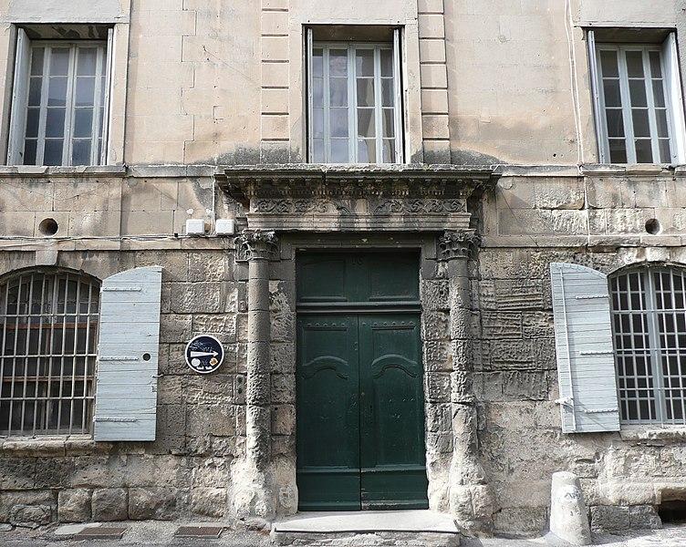 Photo du Monument Historique Hôtel de L'Hoste situé à Arles