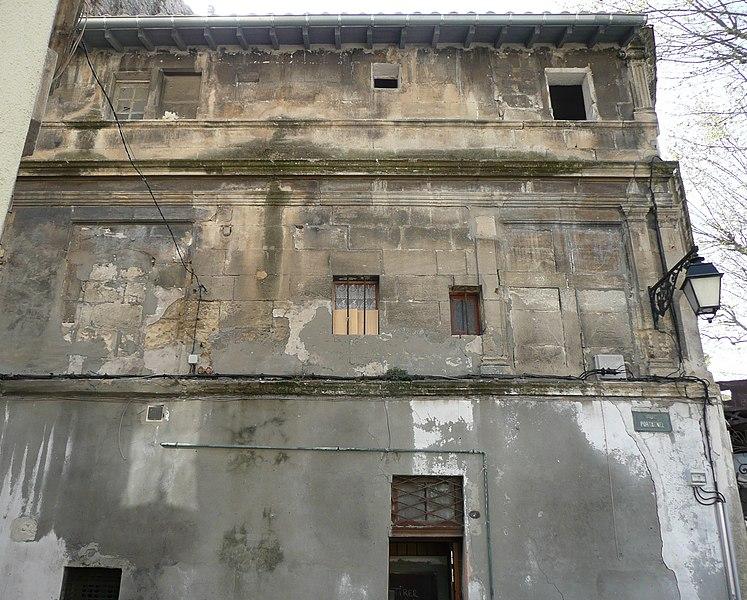 Photo du Monument Historique Immeuble situé à Arles