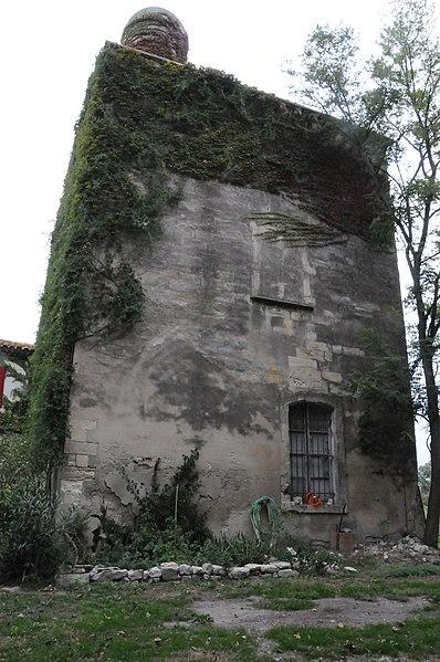 Photo du Monument Historique Tour d'Amphoux situé à Arles