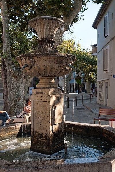 Photo du Monument Historique La fontaine du 18s situé à Cassis