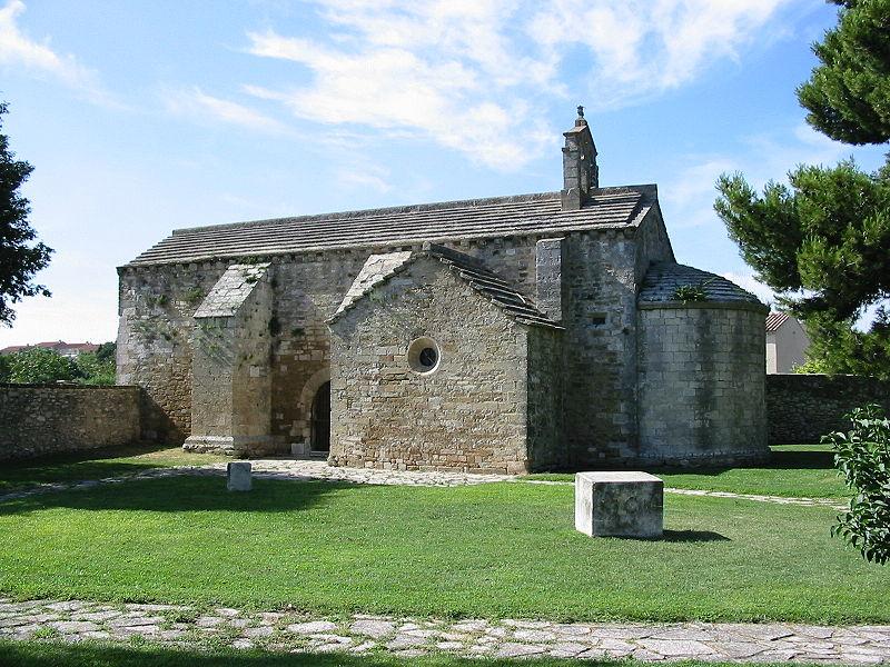 Photo du Monument Historique Chapelle du cimetière situé à Lançon-Provence