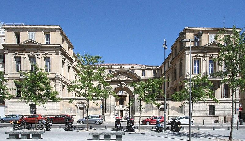 Photo du Monument Historique Evêché , puis hôtel de police situé à Marseille