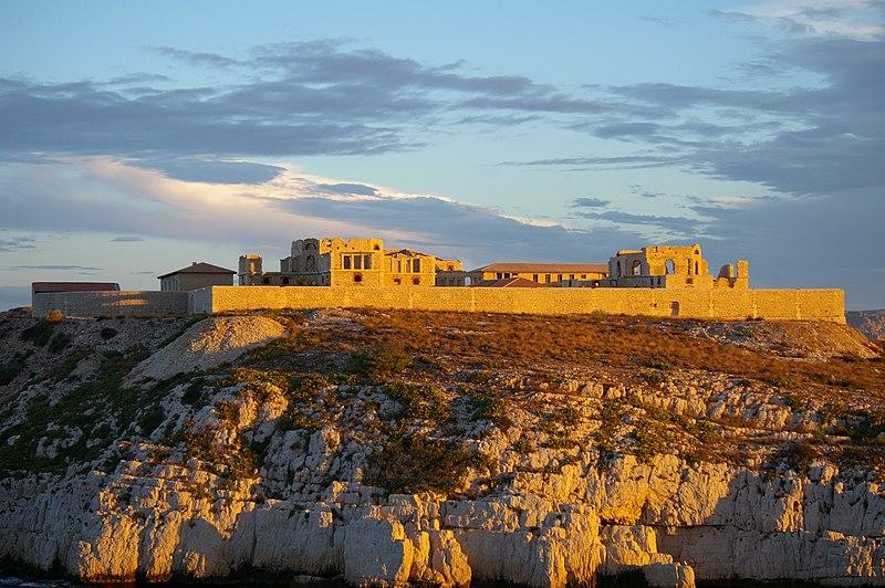 Photo du Monument Historique Hôpital Caroline situé à Marseille