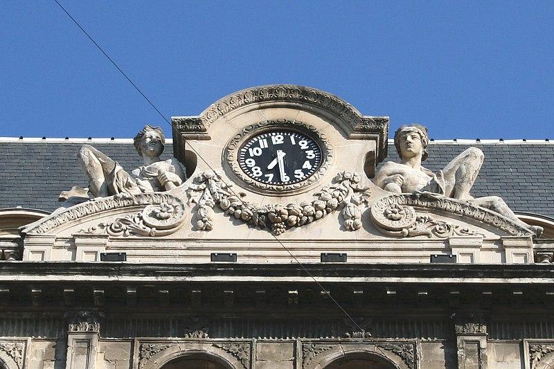Photo du Monument Historique Hôtel Louvre et Paix  ou Hôtel dit de La Marine situé à Marseille