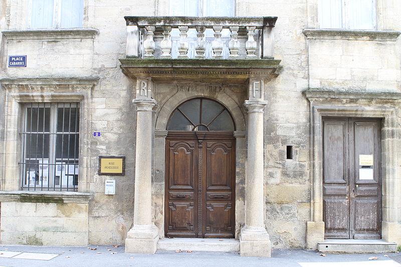 Photo du Monument Historique Hôtel de ville situé à Pélissanne