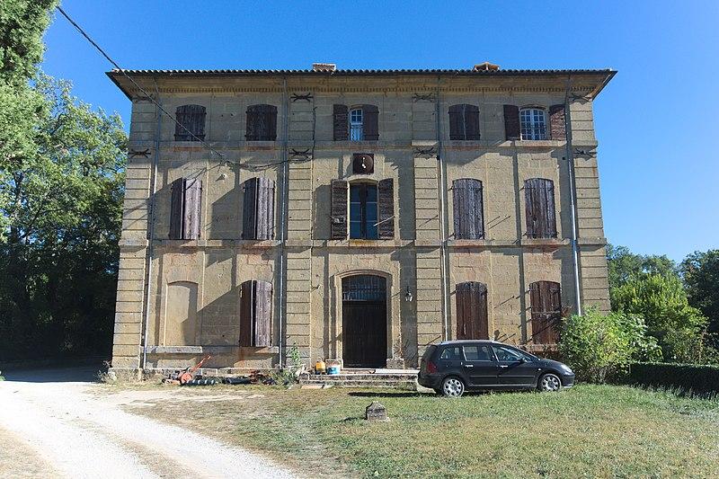 Photo du Monument Historique Château de Cabanes situé à Rognes