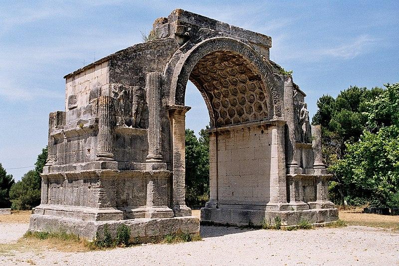 Photo du Monument Historique Arc de triomphe situé à Saint-Rémy-de-Provence