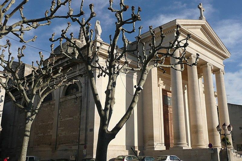 Photo du Monument Historique Eglise Saint-Martin (partie ancienne et partie récente) situé à Saint-Rémy-de-Provence