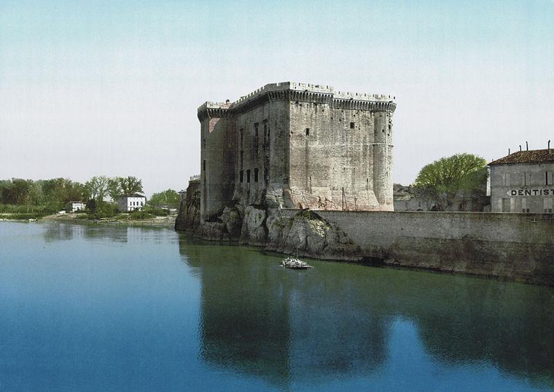 Photo du Monument Historique Château du Roi René situé à Tarascon