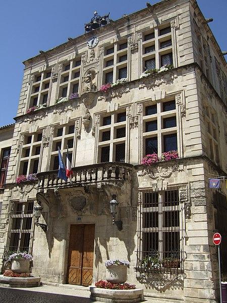 Photo du Monument Historique Hôtel de ville situé à Tarascon