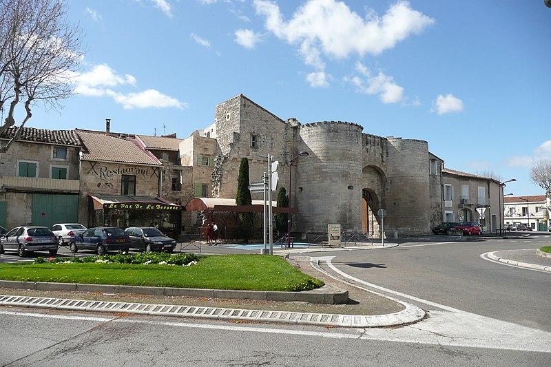 Photo du Monument Historique Porte de la Condamine situé à Tarascon