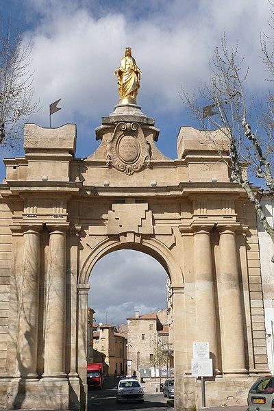 Photo du Monument Historique Porte Saint-Jean situé à Tarascon