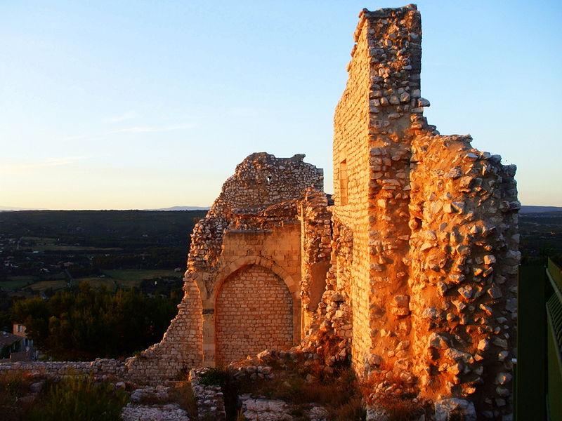 Photo du Monument Historique Château de la Reine Jeanne (ruines) situé à Ventabren