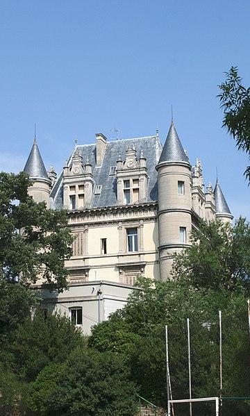 Photo du Monument Historique Château Régis, actuellement Ecole et Collège Notre-Dame de la Jeunesse situé à Marseille