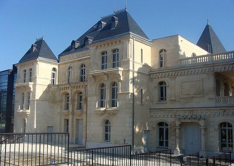 Photo du Monument Historique Château de La Buzine situé à Marseille