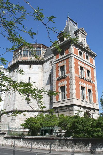 Photo du Monument Historique Pavillon de partage des eaux des Chutes-Lavie situé à Marseille