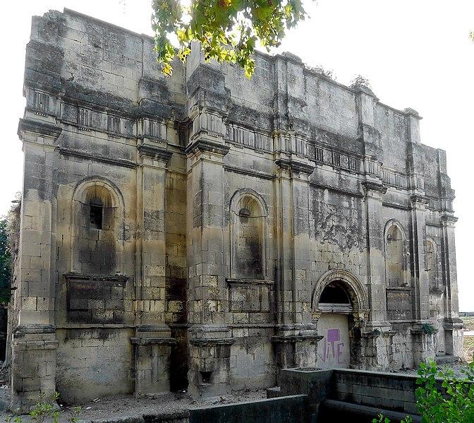 Photo du Monument Historique Eglise des Carmes Déchaussés situé à Arles