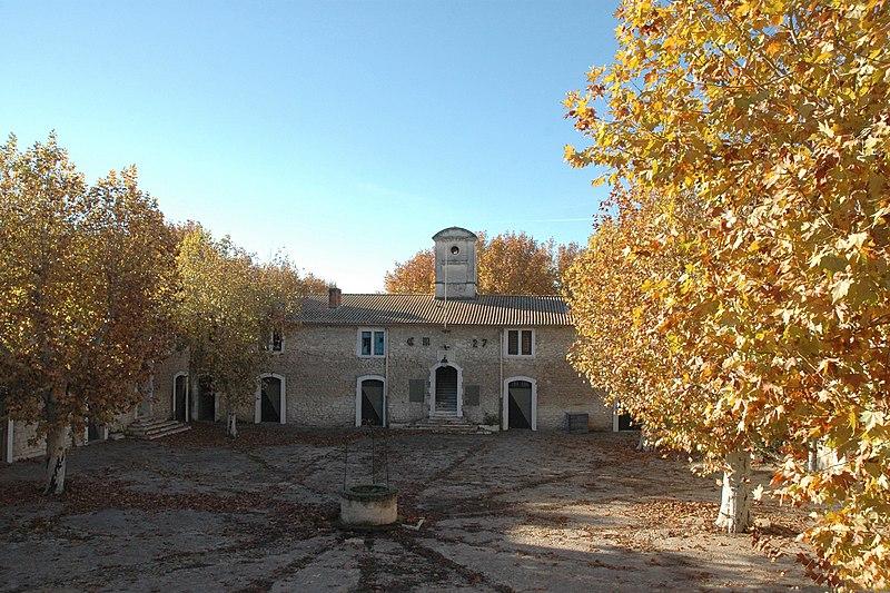 Photo du Monument Historique Casernes Kilmaine dénommées aussi le quartier Kilmaine ou les casernes situé à Tarascon
