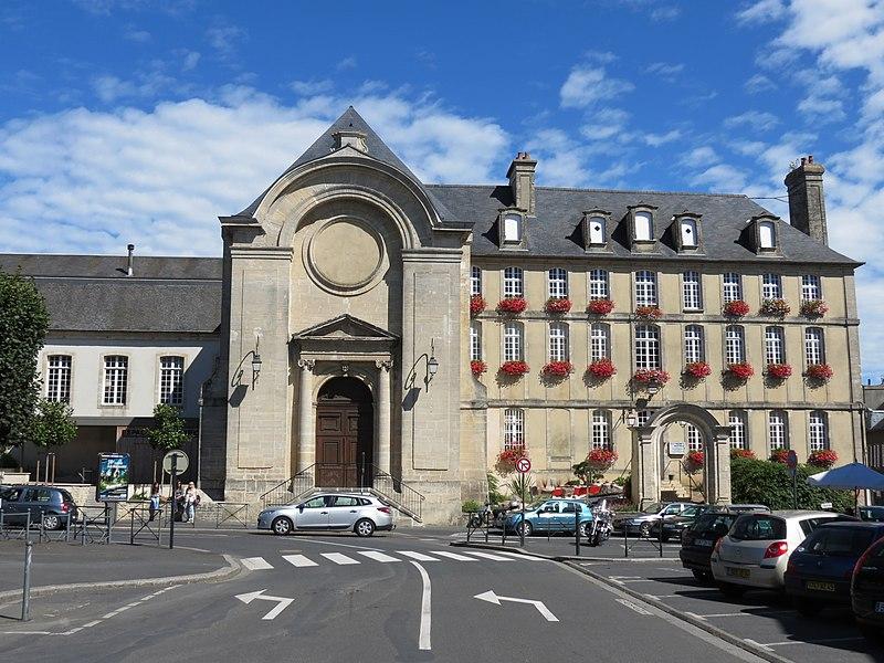 Photo du Monument Historique Ancien couvent de la Charité situé à Bayeux