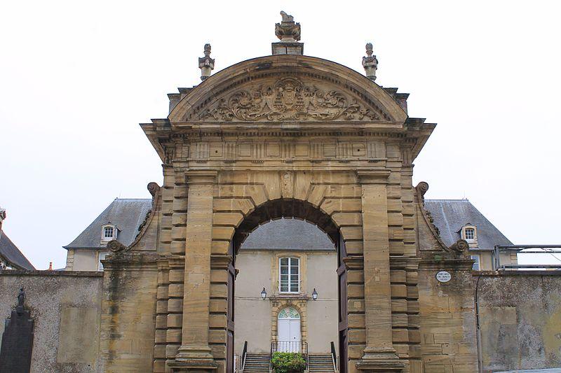 Photo du Monument Historique Ancien évêché situé à Bayeux