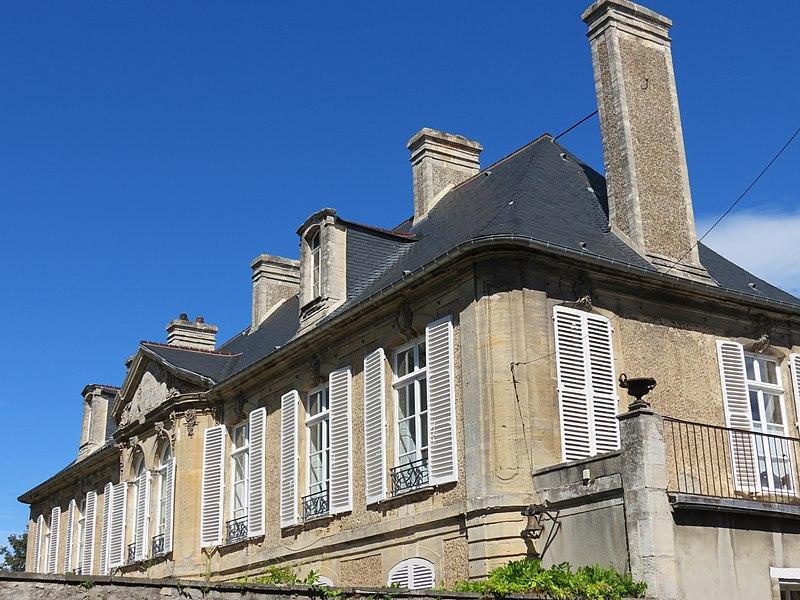 Photo du Monument Historique Hôtel de Royville situé à Bayeux