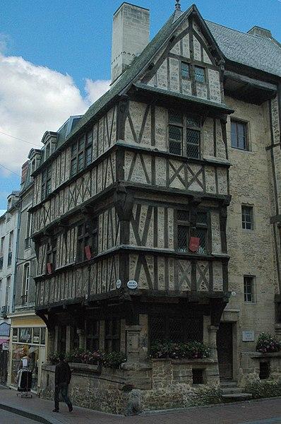 Photo du Monument Historique Maison situé à Bayeux