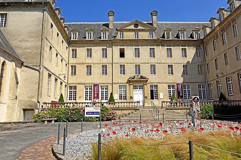 Photo du Monument Historique Ancien séminaire situé à Bayeux