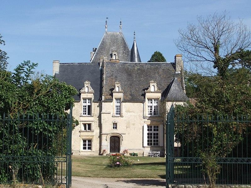 Photo du Monument Historique Château situé à Beaumais