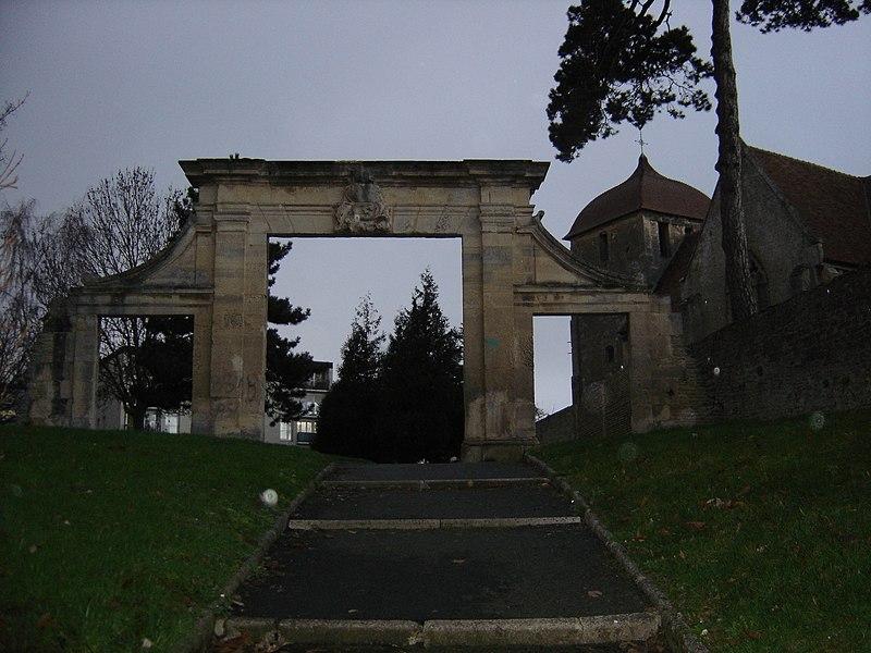 Photo du Monument Historique Ancien château de Colbert situé à Blainville-sur-Orne