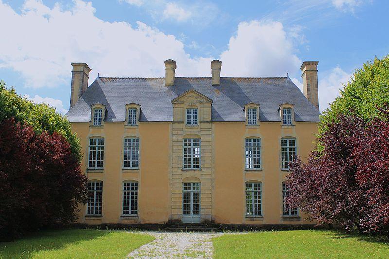 Photo du Monument Historique Château de la Motte situé à Bretteville-l'Orgueilleuse
