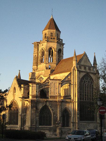 Photo du Monument Historique Ancienne église de Saint-Etienne-le-Vieux, actuellement magasin communal situé à Caen