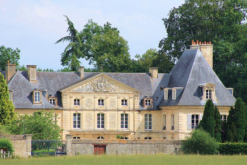 Photo du Monument Historique Château de Cesny-aux-Vignes situé à Cesny-aux-Vignes-Ouézy