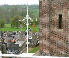 Photo du Monument Historique Croix du cimetière en fer forgé situé à Cheffreville-Tonnencourt