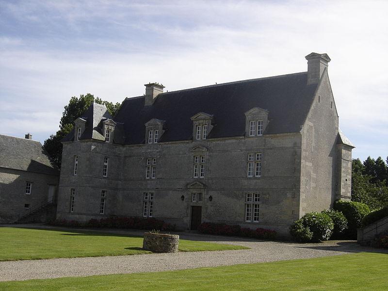 Photo du Monument Historique Manoir du 17e siècle, dit la Grande Ferme situé à Crépon