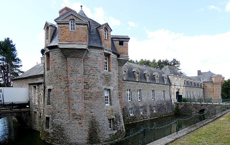 Photo du Monument Historique Château situé à Dampierre