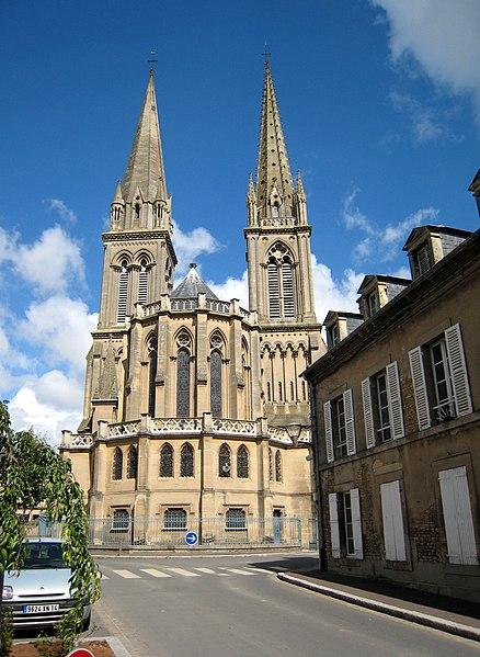 Photo du Monument Historique Basilique situé à Douvres-la-Délivrande
