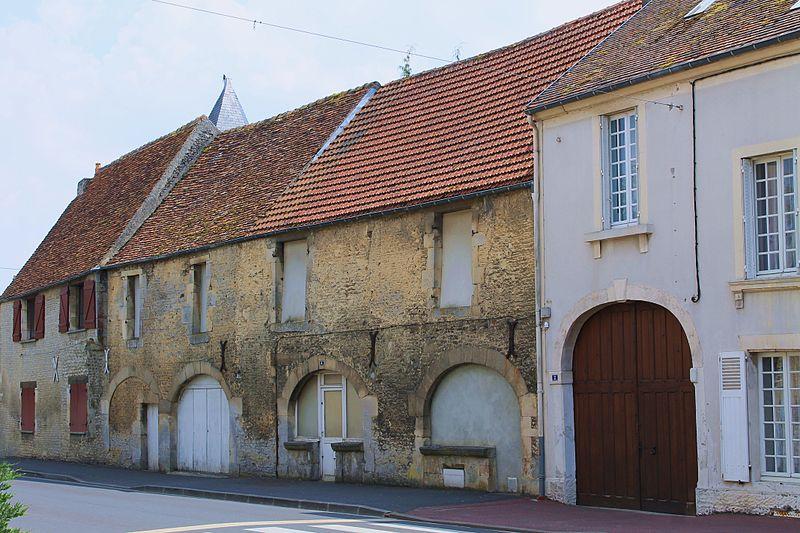 Photo du Monument Historique Anciennes loges de la foire de Guibray situé à Falaise
