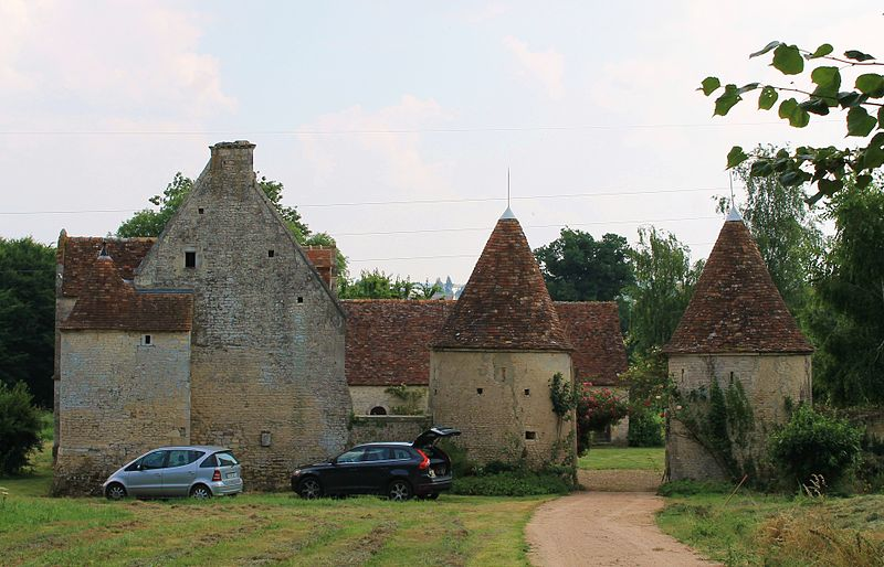 Photo du Monument Historique Manoir du Mesnil-Besnard situé à Falaise